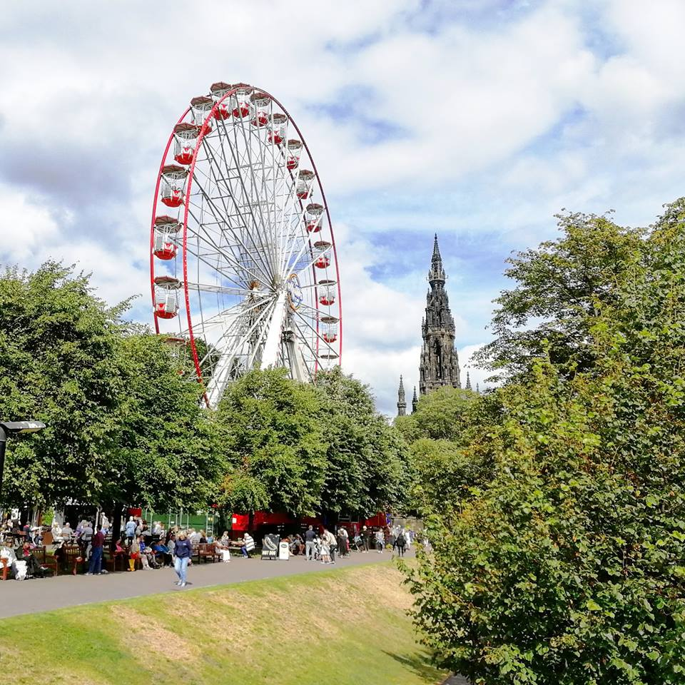 Edinburgh festival guide where to stay what to do